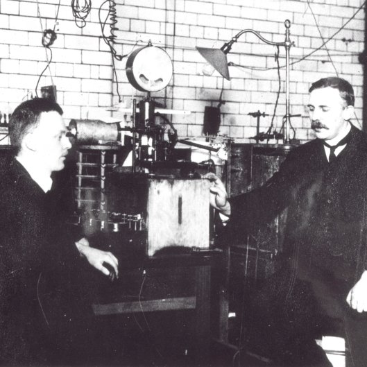 What a fantastic machine! Manchester at the forefront of science with Ernest Rutherford and Hans Geiger.