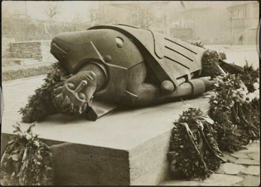Toter Krieger (Dead Warrior), 1934. Courtesy of Guardian News and Media Ltd.