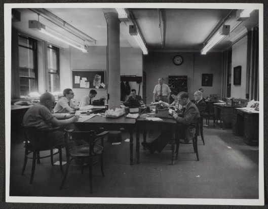 The Manchester Guardian newsroom, c. 1950s, from the Guardian Archive. Image reproduced courtesy of Guardian News and Media Ltd.